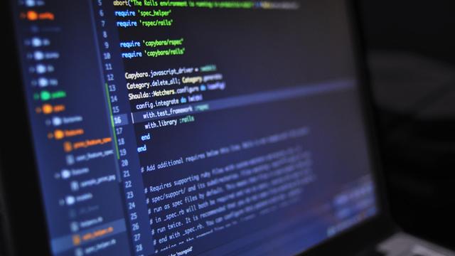 as APIs são programações desenvolvidas para integrar sistemas e compartilhar dados e informações