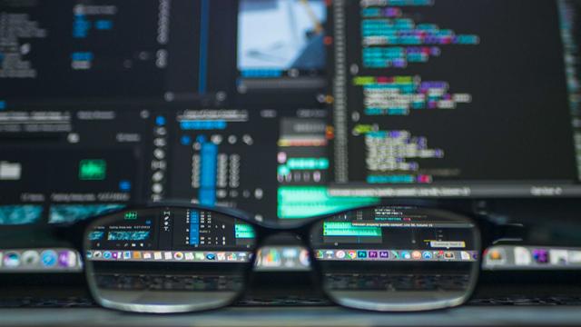 API é uma sistema de programação usada para integrar dois ou mais sistemas entre si